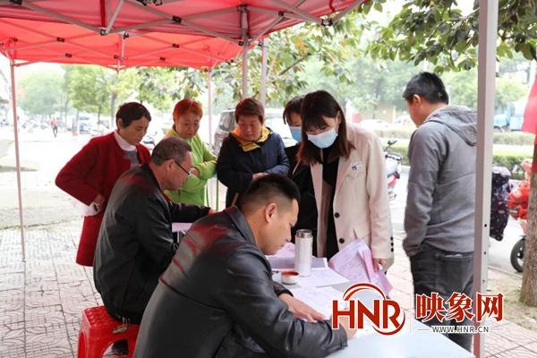 驻马店:平舆县电动车登记上牌 广大市民热情响应